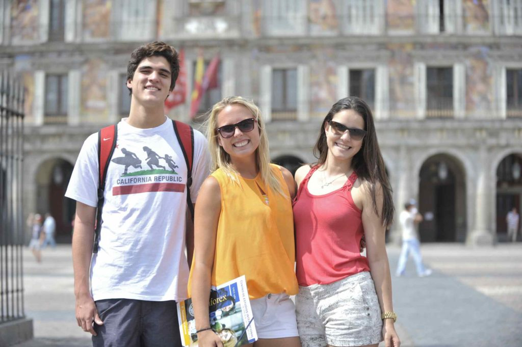 Study Spanish courses in Madrid and get make some new friends