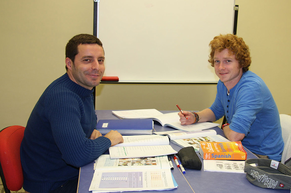 Spanish courses in Seville enables you to meet new people