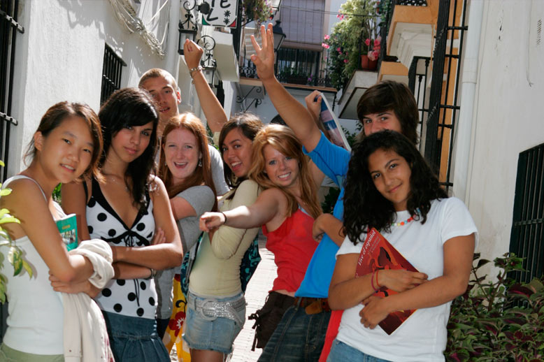 Enjoy studying in revision groups for the exams in your Spanish language course abroad