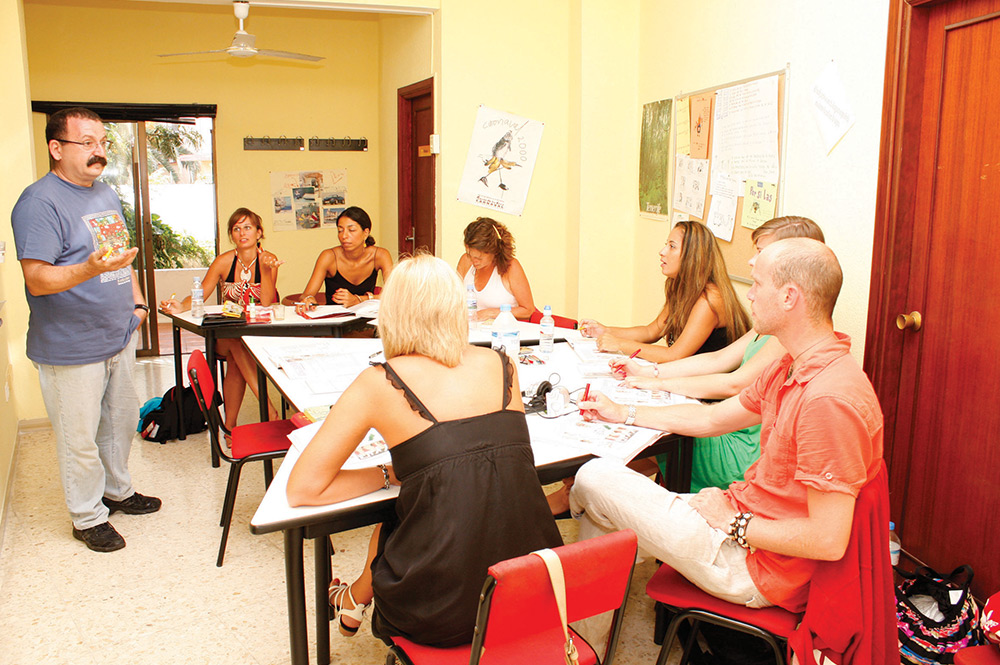 Studying Spanish courses in Tenerife in small groups. This means tutors will be more likely to focus on each individual students progress