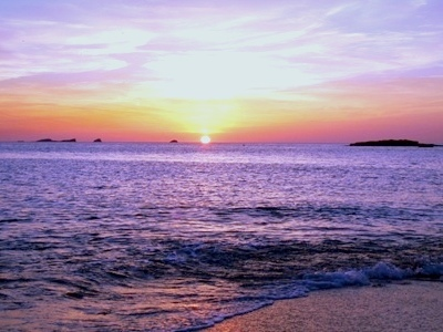 Get to enjoy the amazing sunsets when you study Spanish courses in Ibiza