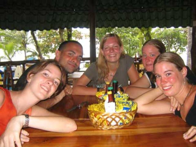 Study Spanish courses in Tamarindo and make your experience more memorable by choosing to stay with a host family, where they will encourage you to speak in the Spanish language during your time out of school