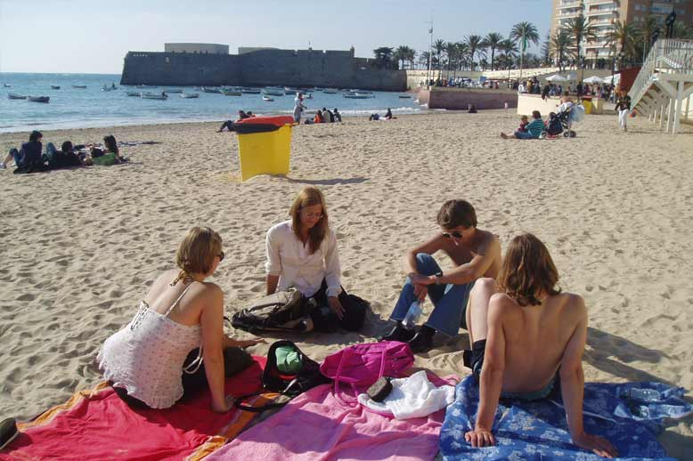 Take Spanish courses in Cádiz and meet new people