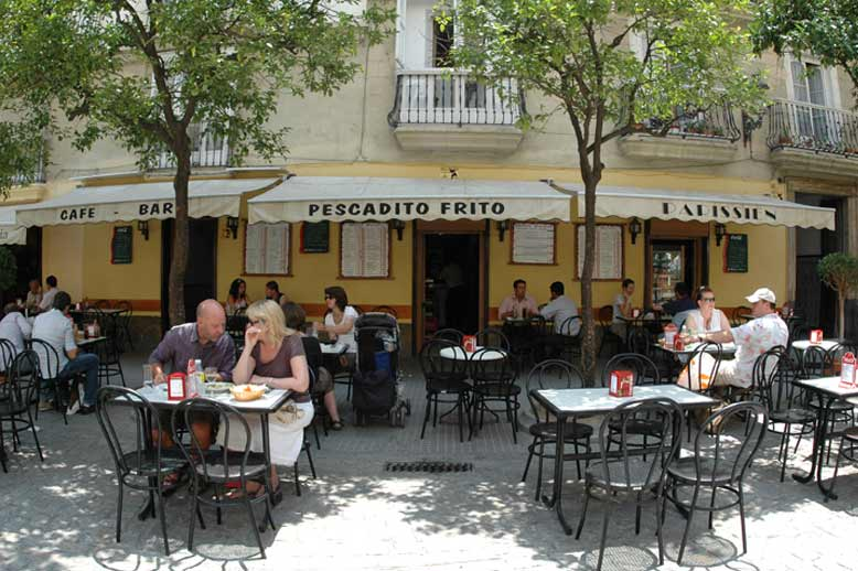 Enjoy various cafés and restaurants during the breaks of the Spanish courses in Cádiz